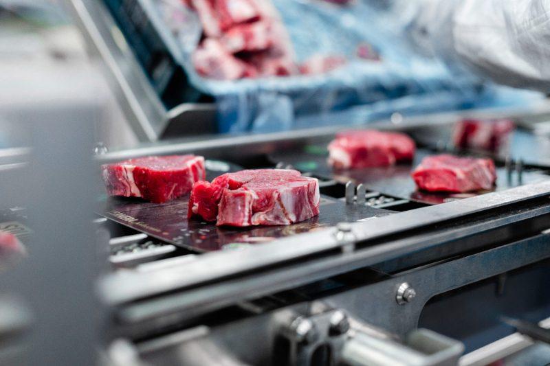 Càrnia Servicio a carnicerías, cadenas de distribución y supermercados.
