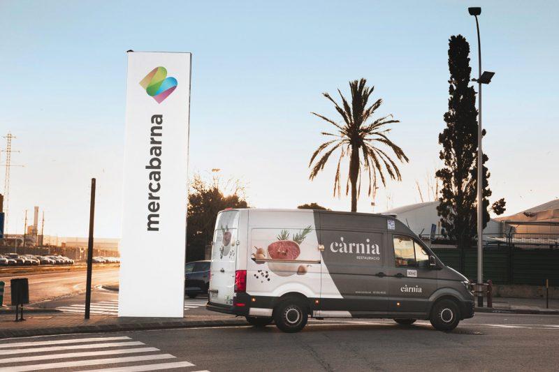 Càrnia ofrece servicio puerta a puerta para nuestros clientes un trato directo y personalizado.